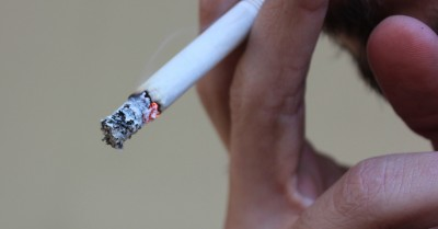 QLD Workers Allowed To Smoke Near Childcare Services Due To Loophole